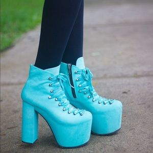 UNIF Nicki Minaj Turquoise Hellbounds